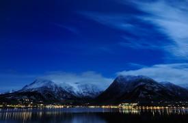 Måneskin over Rosendal © Bjarne Øymyr